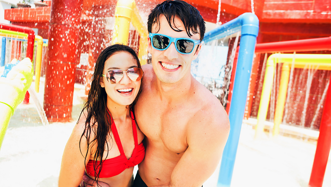 couple at h2oasis waterpark